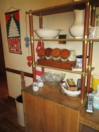 SHELVING UNIT WITH BOWLS, STORAGE JARS AND PITCHER