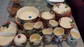 Francisan Pottery - Apple Pattern