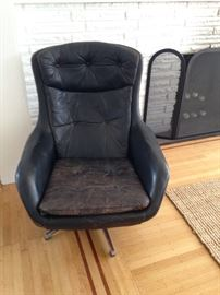 Vintage black leather chair (tears in leather/fading)