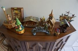 Loads of interesting wood music boxes and trinkets from around the world
