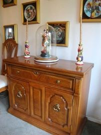 Thomasville Sideboard.  This Piece is unusual in that the top flips open on each end to extend a larger serving area.  Very nice.