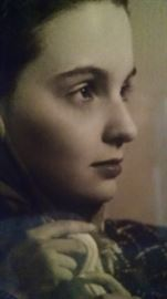 CLOSE-UP...WOMAN PICTURE 1942