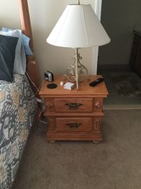 End Table with Lamp.