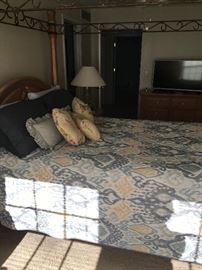 Queen size bed with mattress with box spring