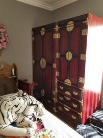 Lovely oriental bedroom units