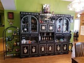 Beautiful 3-piece oriental display unit