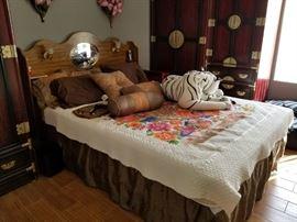 Full Bed w/headboard + matteress