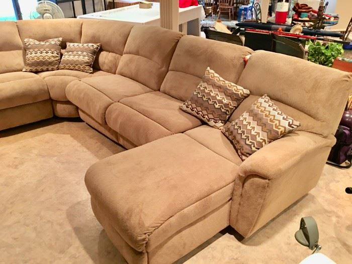 LANE FURNITURE SECTIONAL SOFA BED W/2 RECLINERS