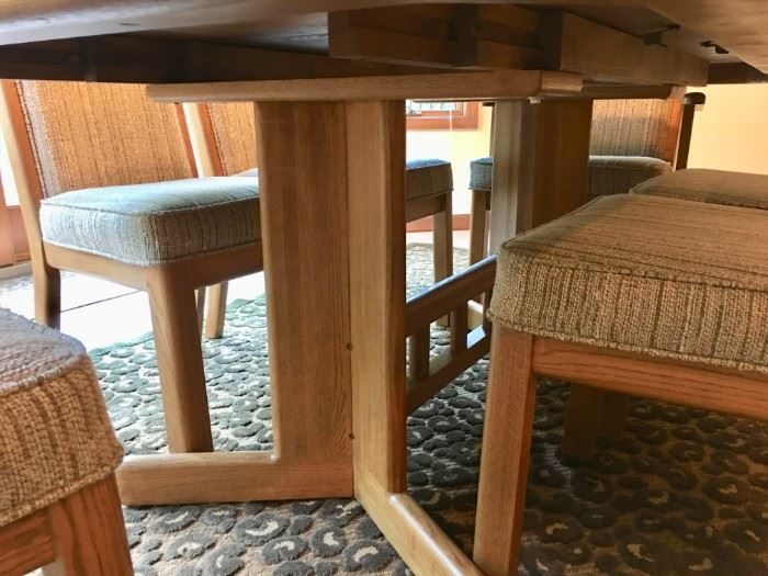 DINING TABLE W/6 CHAIRS.