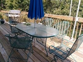 patio set - 4 rocking chairs, 2 other hi-back rocking chairs