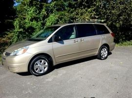 2005 Toyota Sienna - 149k miles - nice condition