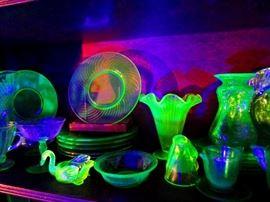 Vaseline or Uranium Glass