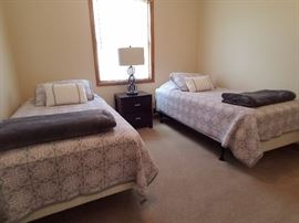Twin bedroom set, two twin beds with mattresses