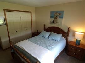 Queen oak bedroom set, queen bed, dresser and night stands