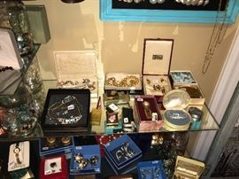 Vintage Jewelry Items