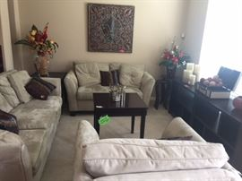 3 piece livingroom set  and matching home decor