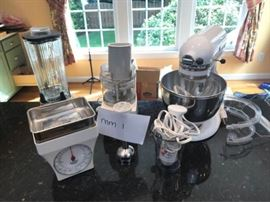 KitchenAid Mixer, Food Processor, Blenders https://ctbids.com/#!/description/share/46134