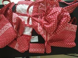 Vera Bradley Ladies' Handbag Set https://ctbids.com/#!/description/share/46137