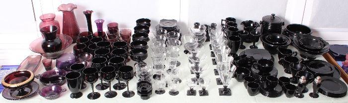 Amethyst-black glass