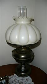 Milkglass shade lamp