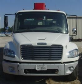 Front View of 2010 Freightliner Truck