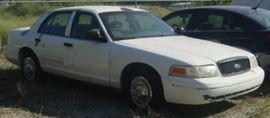 2002 Ford Crown Victoria Car