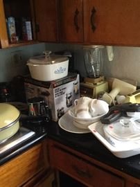 Lots of Kitchen