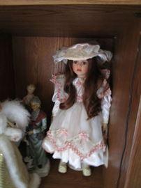 Hundreds of Dolls