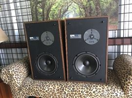 2 EPI T/E 100 Time / Energyu Series Speakers CW004 Local Pickup https://www.ebay.com/itm/123400133913