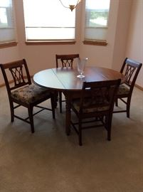 Vintage Drop Leaf Dining room table with four chairs