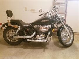 AVAILABLE FOR PRESALE  motorcycle  2005 Honda Shadow Spirit 750cc $2795