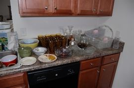 Tons of American Fostoria in amber and more, Pyrex set of bowls