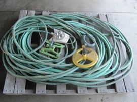 LOT OF A PALLET OF LAWN HOSES ANS SPRINKLERS USED ...