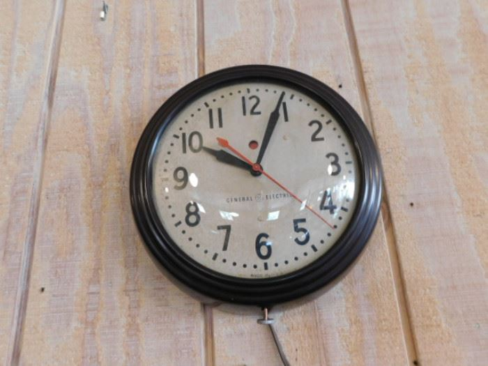 GE Electric clock