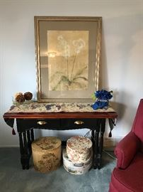 Décor including expandable table and wall art!