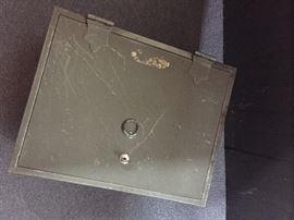Heavy lock box