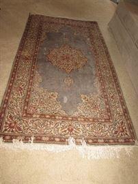 Blue/gray area rug 5x8
