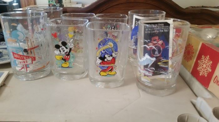 MICKEY MOUSE/DISNEY GLASSES ALL DIFFERENT