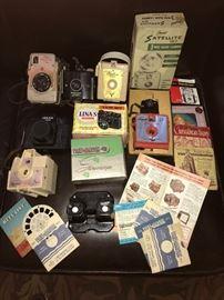 Vintage Cameras and Bakelite ViewMaster--way cool.
