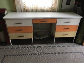 Midcentury beauty--a great set of drawers!