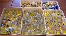 Extensive beautiful marble collection: rare sulphide, swirls, peppermint, very old stone marbles, some handmade