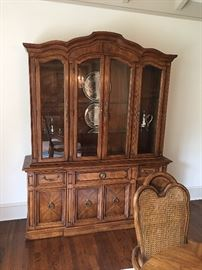 Thomasville china cabinet and hutch. AVAILABLE FOR -PRESALE $450. Text or call Patty at  847-772-0404 for more information.