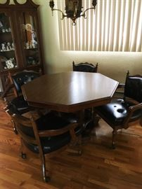 Dining set with 4 rolling chairs