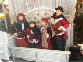 Vintage Family of Carolers