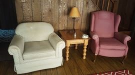 Nice upholstered chairs and table