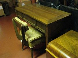 Sewing table and chair for Singer Machine!!!!