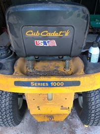 working well club cadet series 1000 riding lawn mower