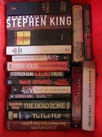 NICE LOT OF 16 HARD BACK STEPHEN KING BOOKS