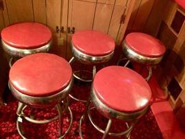 5 matching bar stools