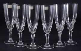 Lot 10: 6 Luminarc Champagne Flutes